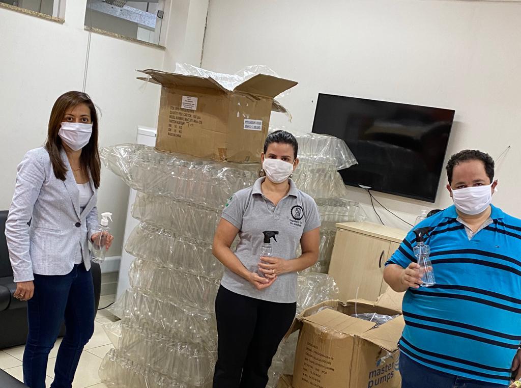 Os frascos foram doados pela CDL Anápolis e servirão para projeto de combate à pandemia da Covid-19