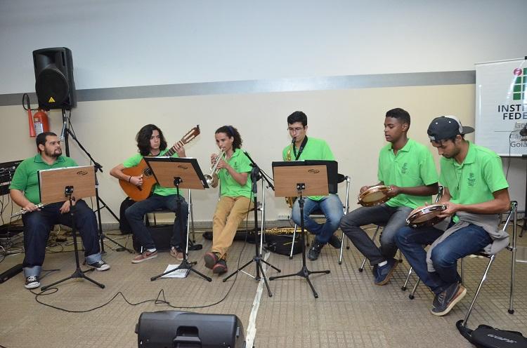 Atração cativa do público do Câmpus Goiânia, Grupo de Choro do IFG integra programação do Festival de Artes de Goiás