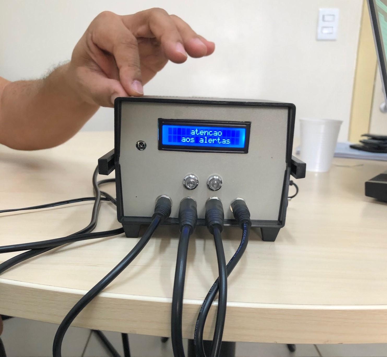 Hardware para medir o tempo de reação, outro projeto do IFG que estará na Campus Future e que consiste em um aparelho para medir o tempo de reação simples e o tempo de reação de escolha, avaliando aspectos neuromotores