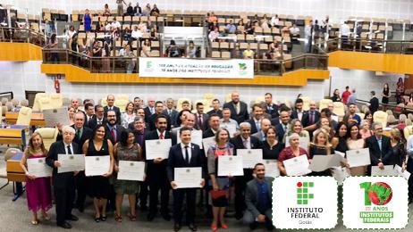 60 homenageados estiveram presentes na Sessão Especial da Câmara de Goiânia