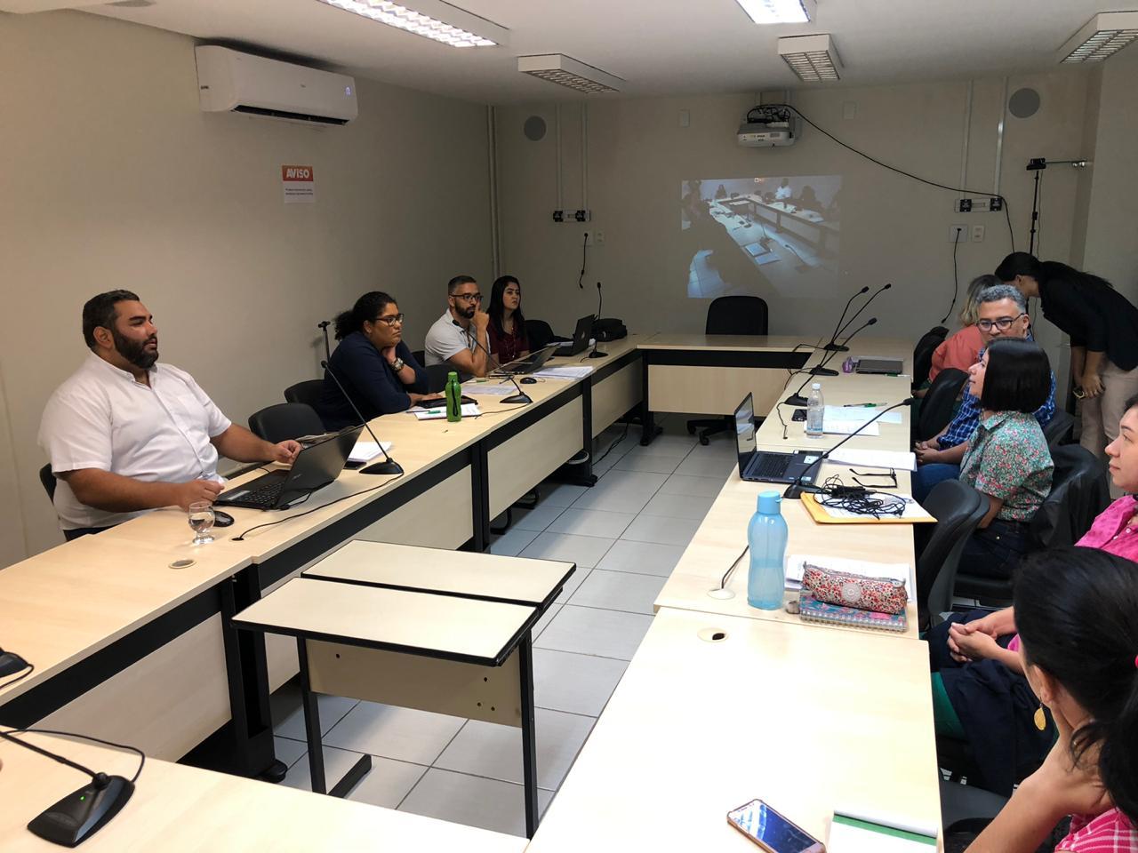 Reunião entre representantes das Relações Internacionais nos câmpus
